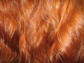 какой цвет волос молодит женщину