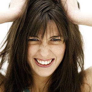 ошибки парикмахера,слишком короткая челка,неудачная стрижка что делать,неудачное окрашивание волос что делать
